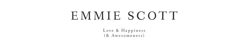 Wedding Photographer London & the UK – Emmie Scott logo